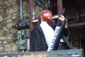 Ian Varley plays keyboards for Black Joe Lewis And The Honeybears. Their song, Skulldiggin, was a favorite of Boston Globe pop critic Sarah Rodman.