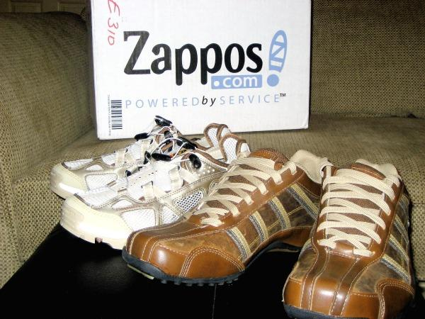 Online retailer Zappos woos customers by helping them buy tricky items risk free.