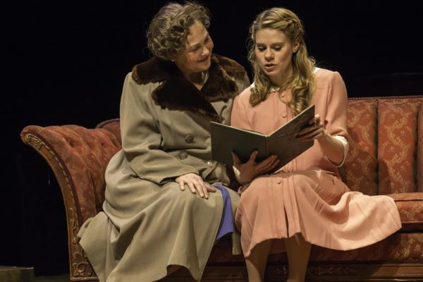 Cherry Jones as Amanda Wingfield and Celia Keenan-Bolger as Laura.