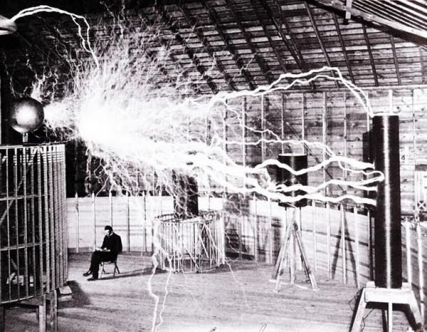 Tesla in his lab in Colorado, 1899.