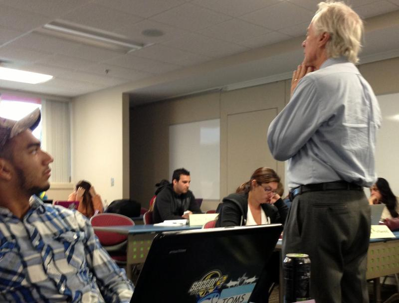 Professor John Petrila leads a disucssion about the issues with Healthcare.gov.