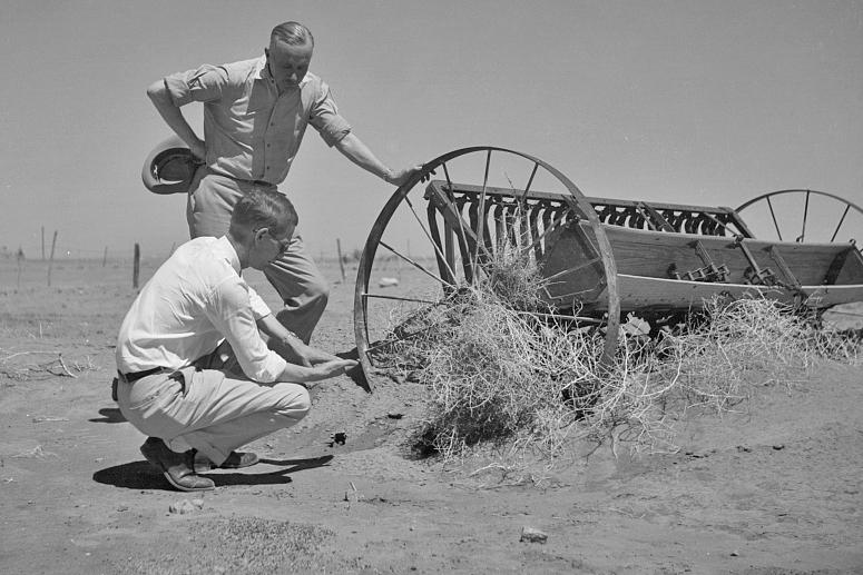 Mr. Page and Colonel Harrington of drought committee at farm near Guymon, Oklahoma