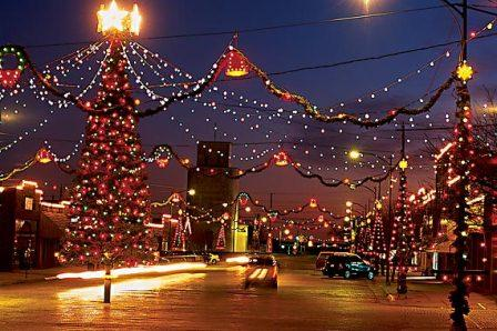 A small-town guide to Kansas Christmas lights | HPPR