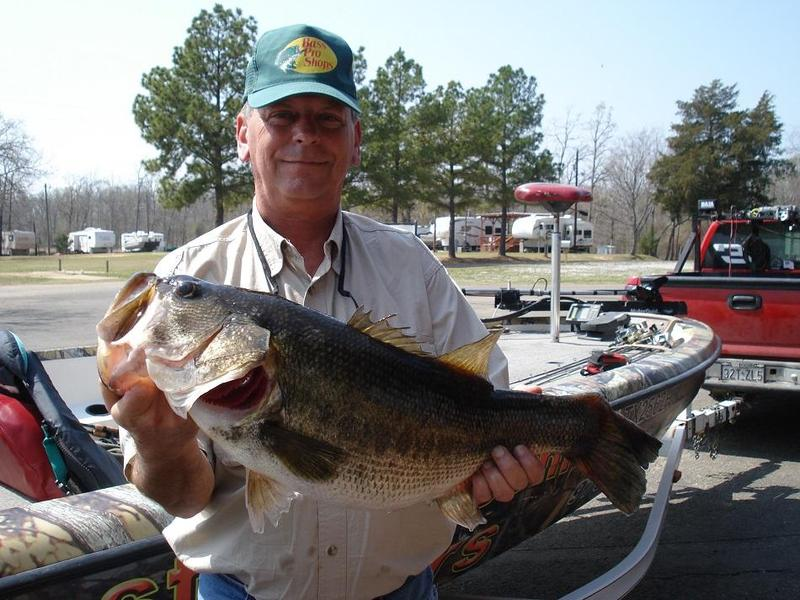 High plains outdoors largemouth bass fishing with larry for Bartlett lake fishing report