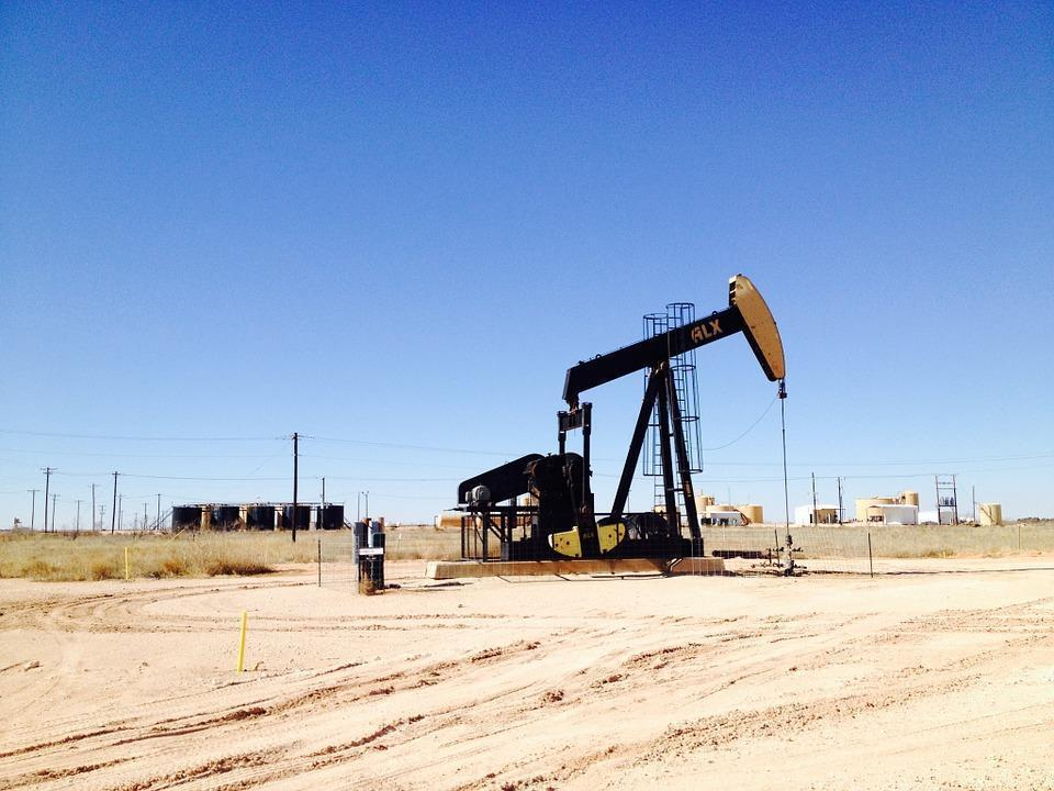 Hickenlooper proposes changes in Colorado oil and gas regulations
