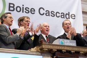 CEO Tom Carlile rings the opening bell on Boise Cascade's first day on the NYSE.