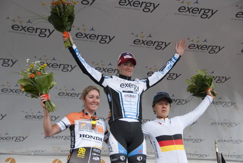 Theresa Cliff-Ryan (center) won the first stage of the inaugural Exergy Tour. Ina Yoko Teutenberg (right) of Specialized-lululemon finished second, with Australian Rochelle Gilmore (left) of Faren Honda Team in third.