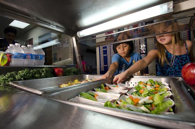 school lunch, cafeteria, students