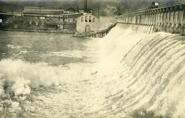 Barber Dam was constructed on the Boise River in 1904-1906. The hydroelectric plant is owned by Ada County, which leases the dam to Enel Green Power.