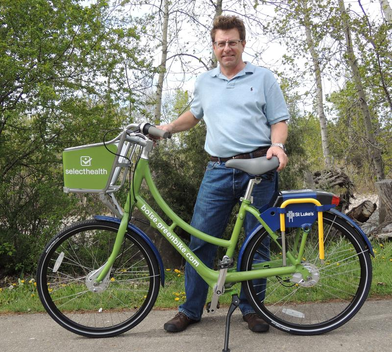Boise GreenBike director Dave Fotsch with one of his organization's new bikes.