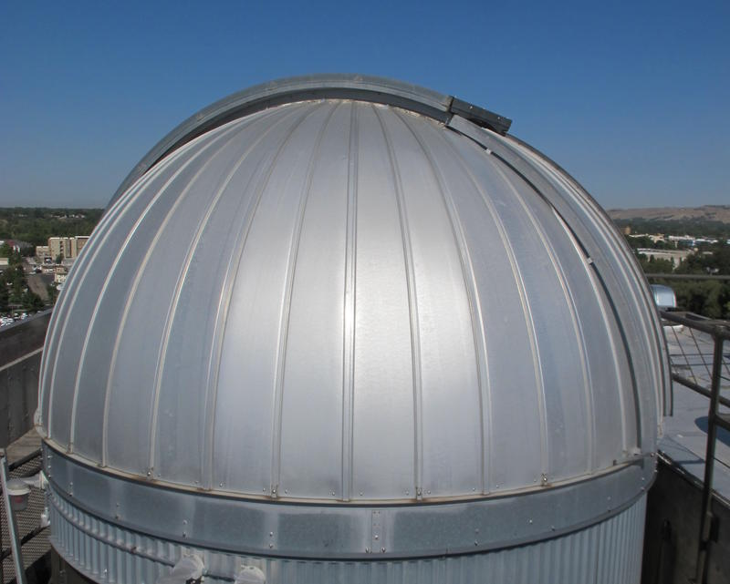 The observatory dome was built in 1977 on top of the Science Building. It was moved to the Education Building in 1978.