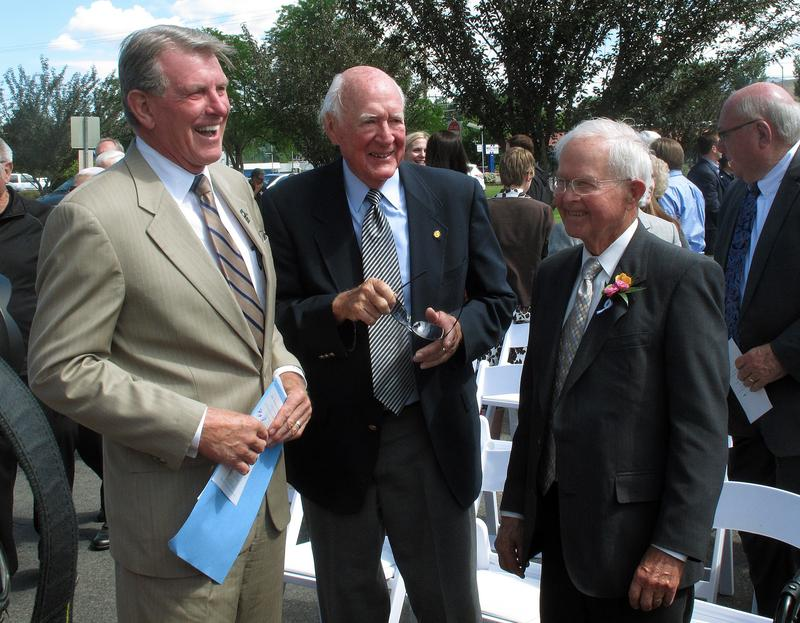 "Gov. C.L. ""Butch"" Otter, left, speaks with former governors Cecil Andrus (center) and Phil Batt Thursday, June 13, 2013, in Boise, Idaho. Both Otter and Batt will speak at Andrus' lying in state ceremony."