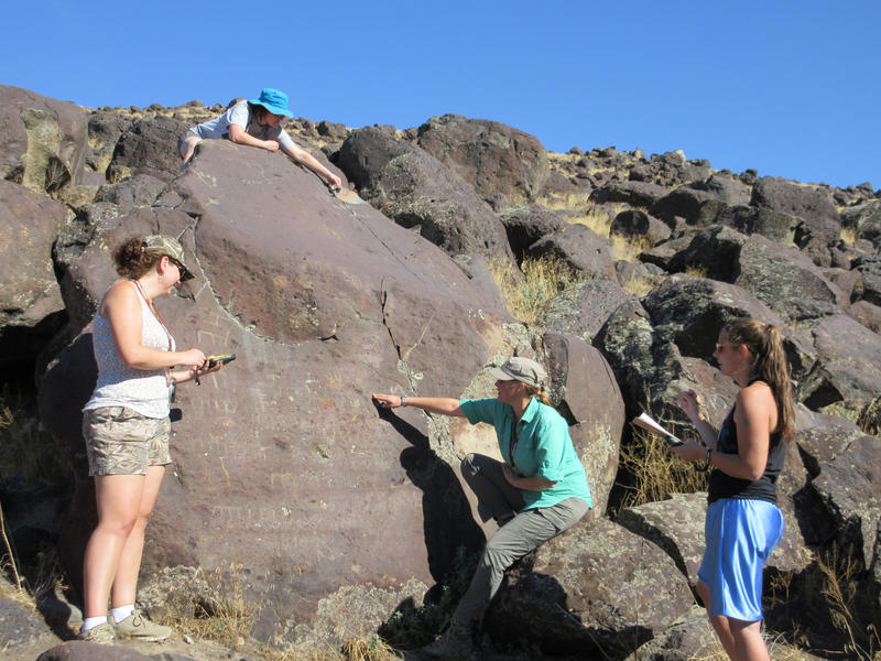CWI Anthropology Club students document petroglyphs near Melba.