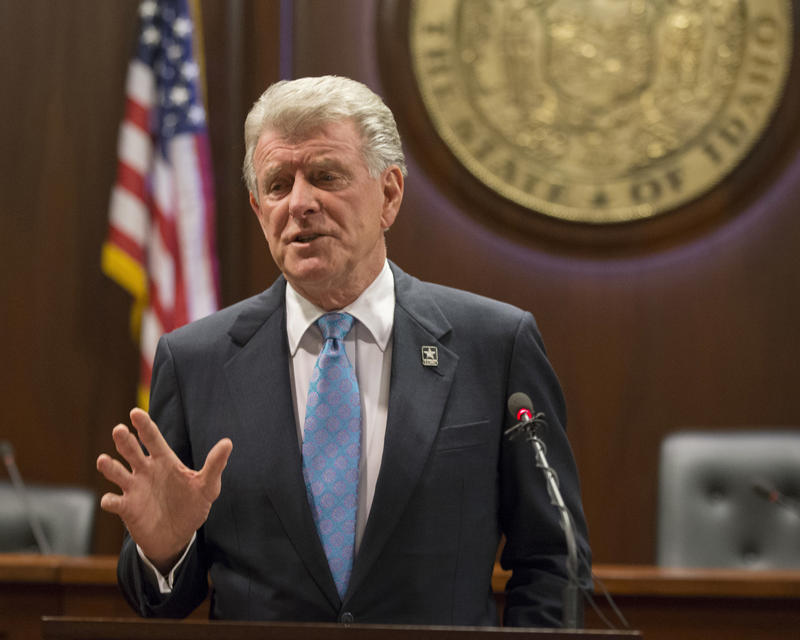 Governor Butch Otter talks about his Idaho Health Care Plan on Jan. 5, 2018 at the Idaho Statehouse.