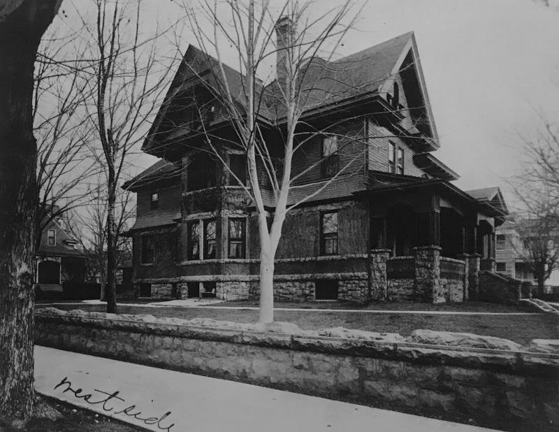 A historic photo of the Eoff-Brady House in approximately 1900.