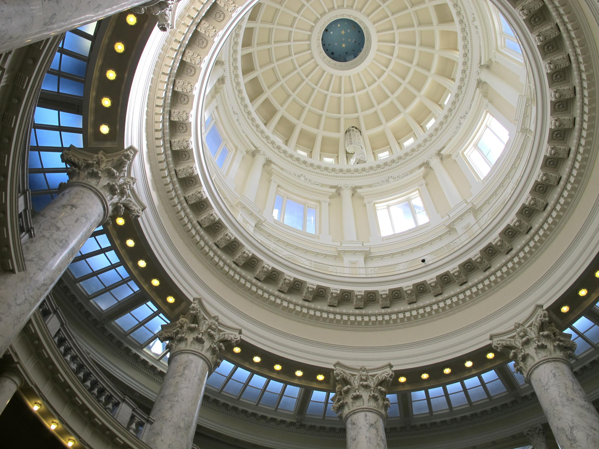 Idaho House panel OKs scrubbing science standards