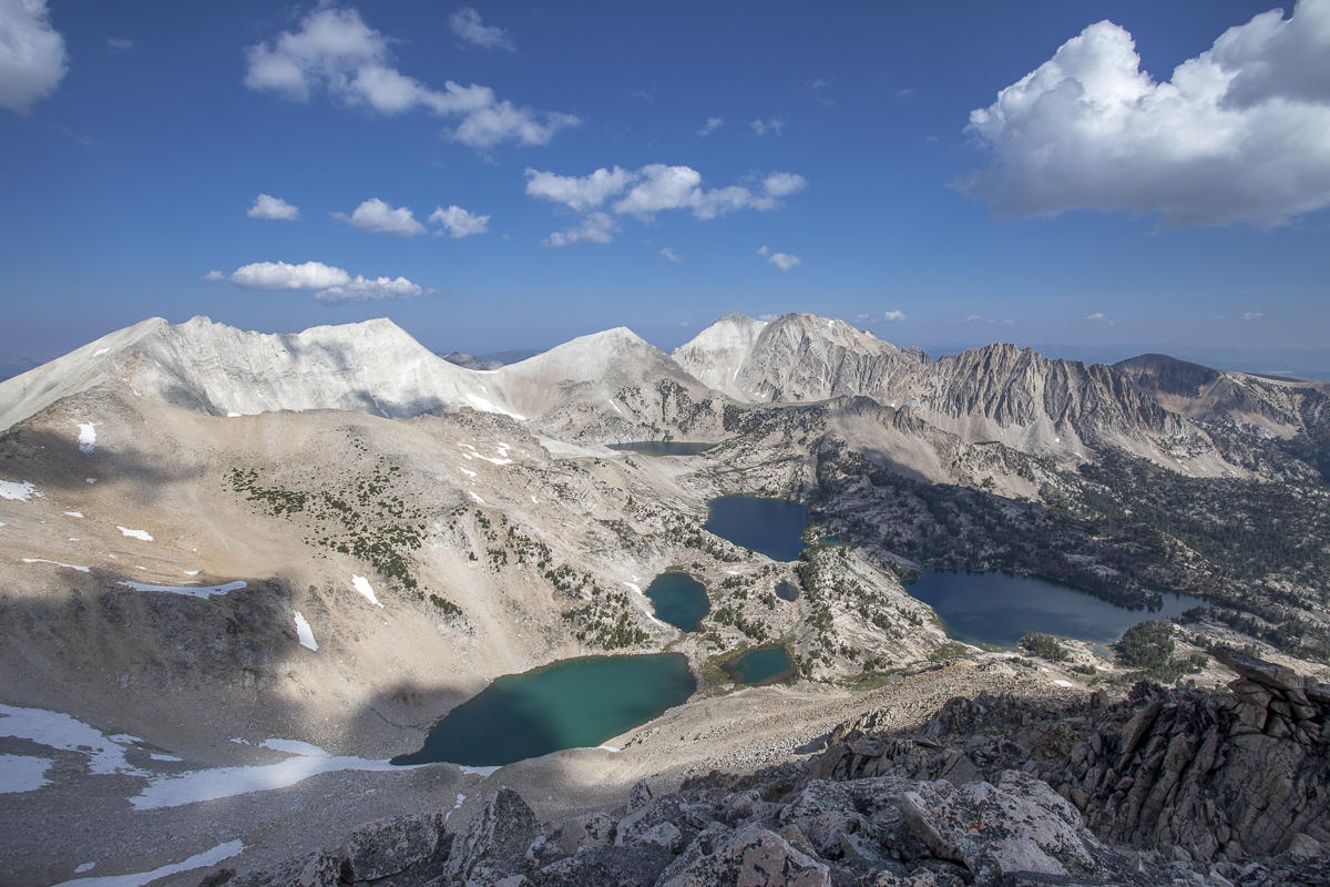 Discover Idaho with Moon Travel Guides! Whether you're hitting the slopes, paddling glacial lakes, or sipping your way through the Snake River Valley, explore the best of the Gem State with Moon Idaho.