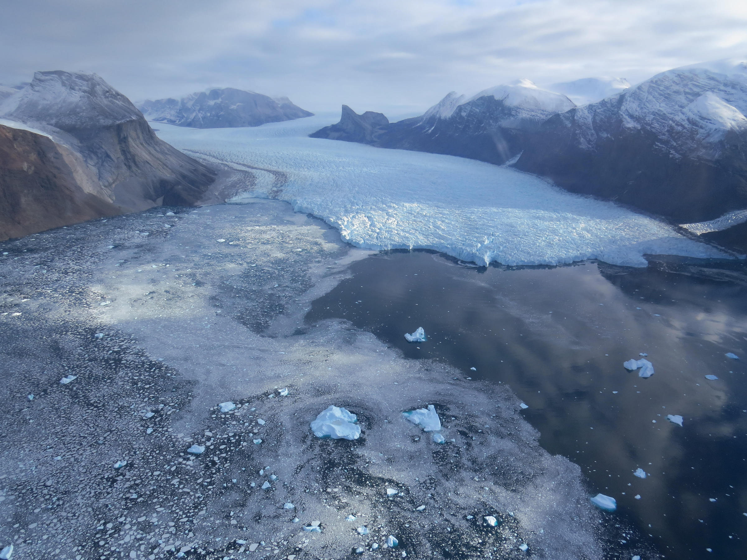 glaciers causing rise of sea level The impact of global sea level rise varies  causing local sea level rise those weaker winds curtailed ocean circulation that normally brings cooler water up from the deep  massive glaciers .