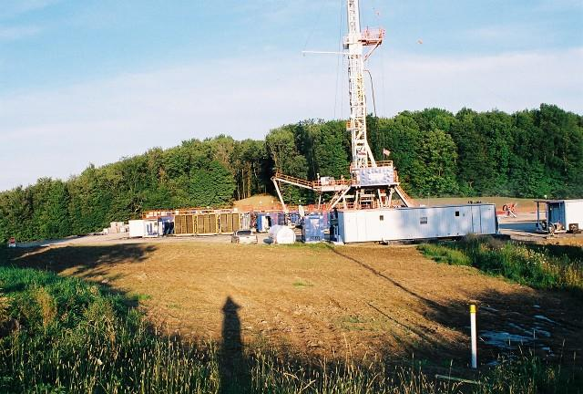 A new industry-backed study says shale-gas extraction is generating hundreds of thousands of jobs across the country.