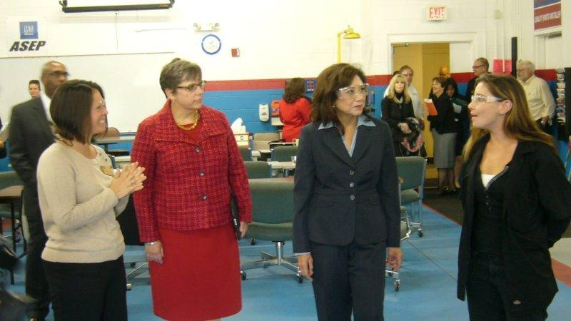 U.S. Secretary of Labor, Hilda Solis (2nd from right) visiting the Applied Technology Center of Monroe Community College