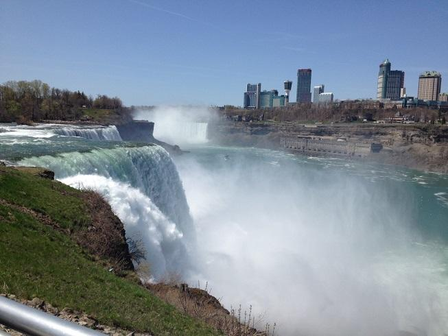 Niagara Falls is struggling to attract the tourists it once did.