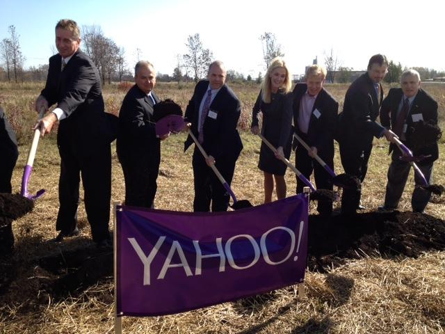 Yahoo! officials are joined by Lt. Governor Duffy and various lawmakers to celebrate expansion.