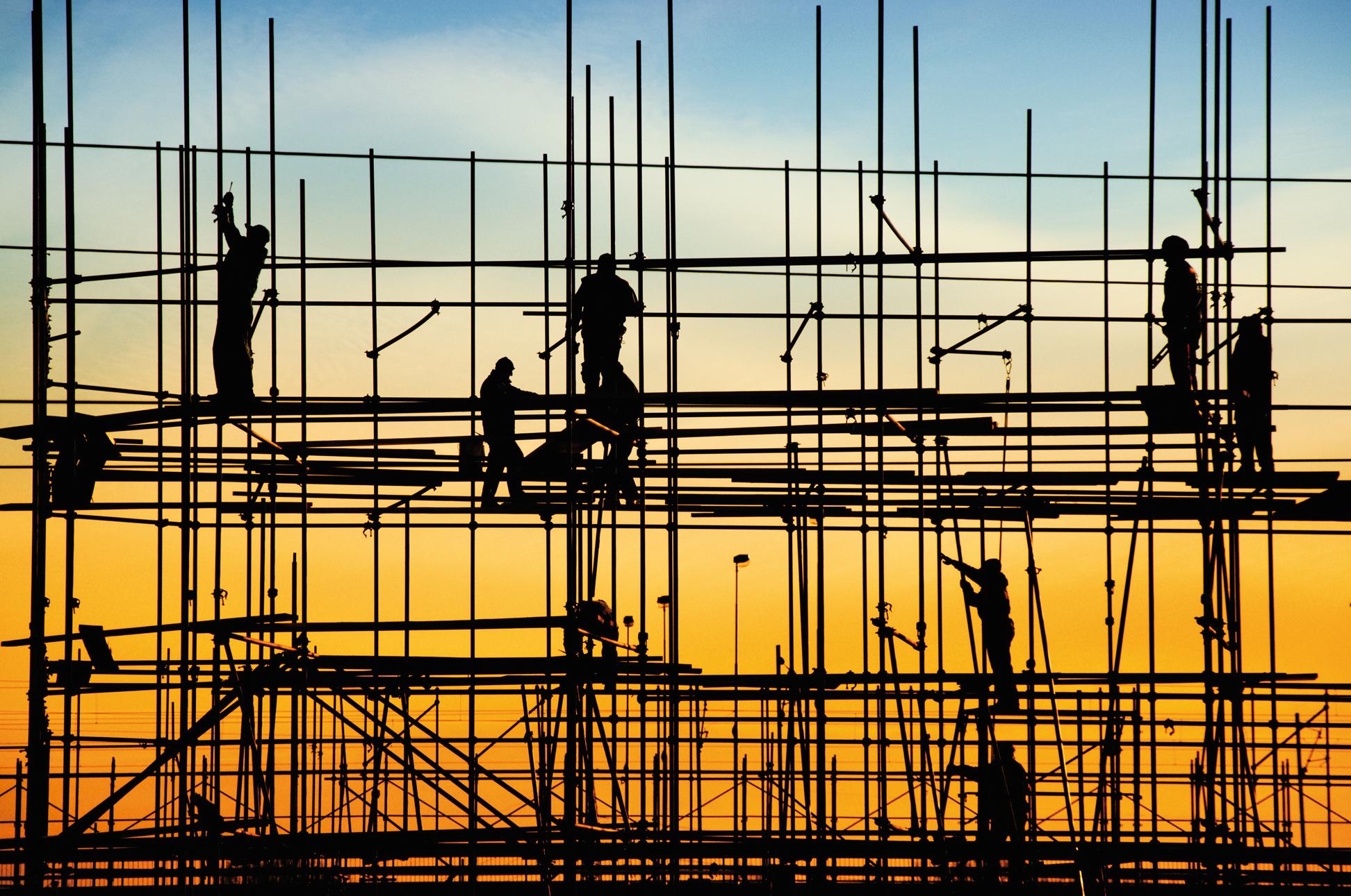 iowa construction industry fights labor shortage iowa public radio