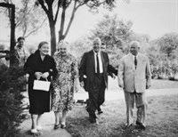 1959 photo shows Roswell Garst with Khrushchev and their wives.