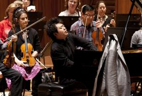 Lang Lang rehearsing with the Sydney Symphony