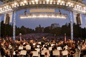 Tim Hankewich conducts Orchestra Iowa at Brucemorchestra in Cedar Rapids