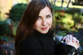 """Alicia Weilerstein, the MacArthur """"Genius"""" American cellist."""
