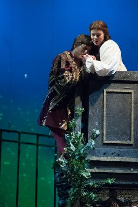 Jason Slayden as Romeo and Sara Gartland as Juliet perform in Des Moines Metro Opera's production of Gounod's Romeo and Juliet.