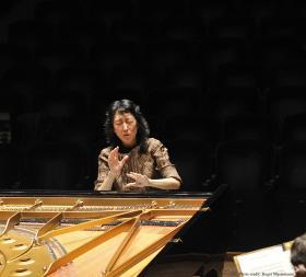 Mitsuko Uchida, DBE, conducting Mozart from the keyboard