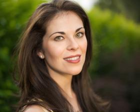Sarah Jane McMahon, soprano.