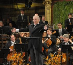 Daniel Barenboim and the Vienna Philharmonic at the 2009 New Year's Concert in Vienna.