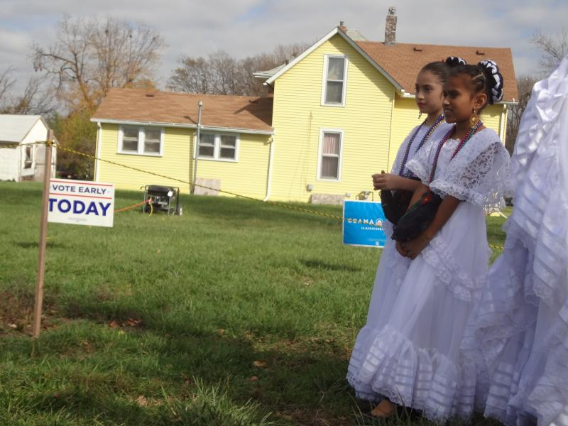 Dancers at the Latino's for Obama block party