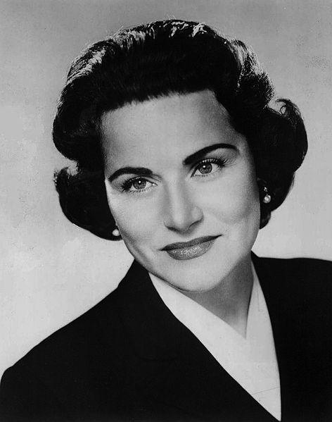 "Pauline Phillips, advice columnist for ""Dear Abby"", was best known to all of her readers as Abagail VanBuren."