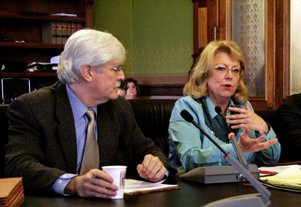 Senators Jack Hatch (D-Des Moines) and Pam Jochum (D-Dubuque) advanced a bill out of subcomittee to expand Medicaid in Iowa.