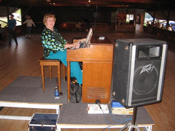 Noni Mylenbusch at the organ during Spring Lake roller rink's 2008 season.
