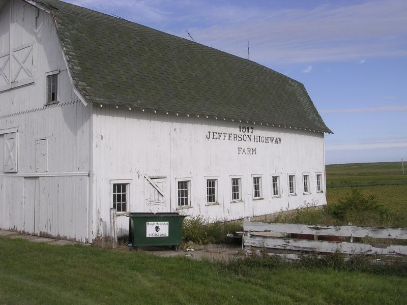 The year 1917 is painted on a barn north of Colo, on a remote stretch of Jefferson Highway.
