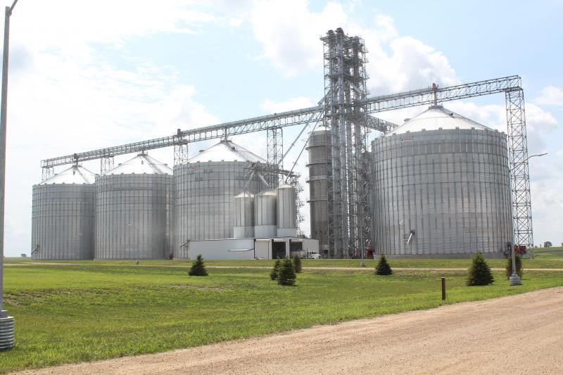 Mid-Iowa Cooperative's Midway elevator, in Tama County, relies on HOWGAN technology.