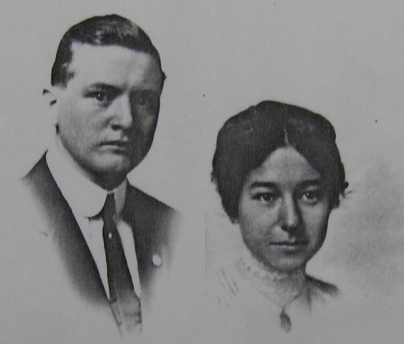 Laura and Earle Smith