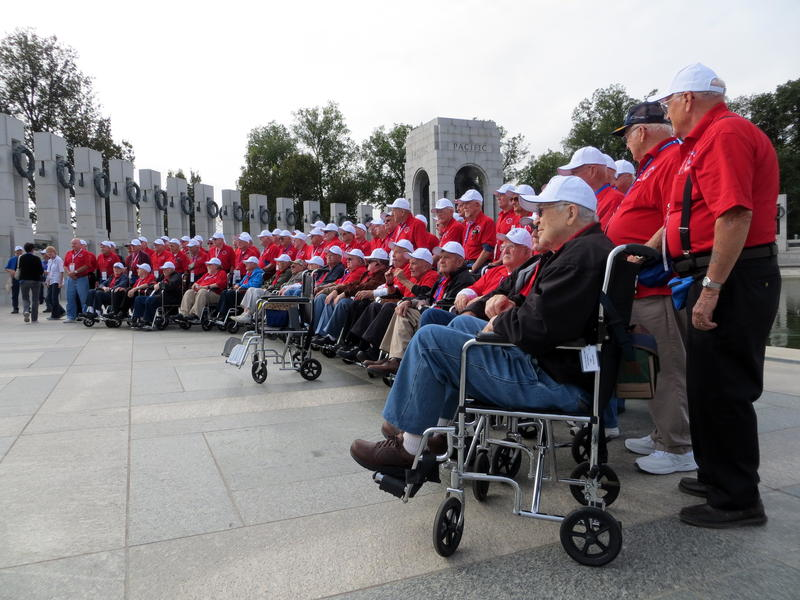Iowa veterans gather at the World War Two Memorial