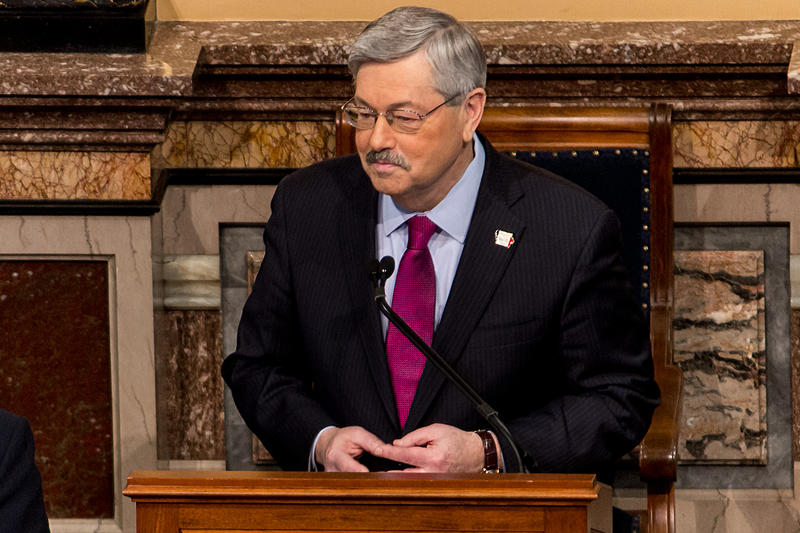Governor Terry Branstad delivering his Condition of the State address in the Iowa House chamber
