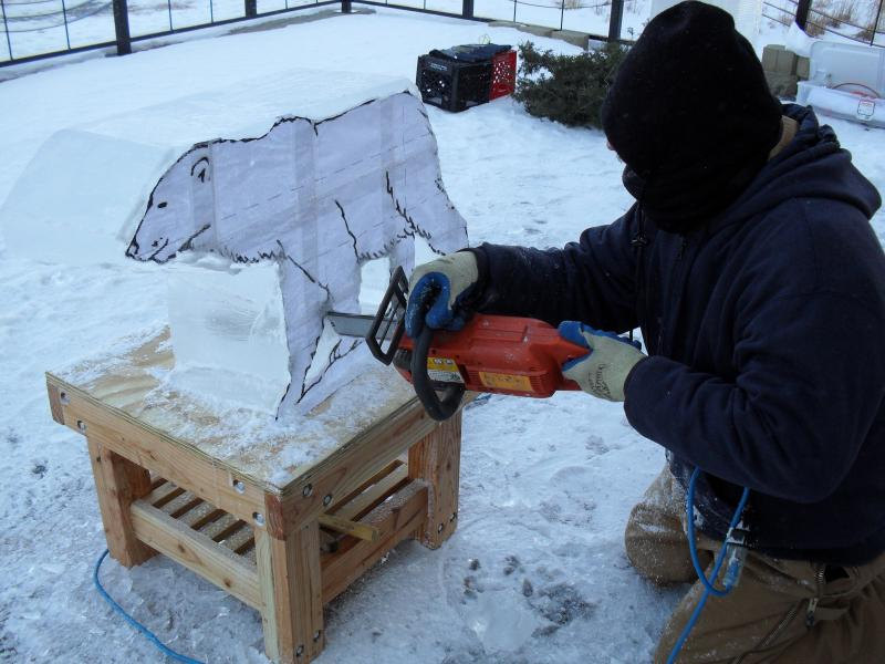 Ice sculptor Ron Hall at the 2010 Coralville Winterfest