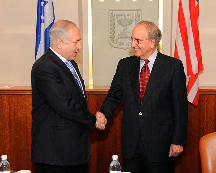 Israeli Prime Minister Benjamin Netanyahu and US Envoy Sen. George Mitchell on 01/04/2010.