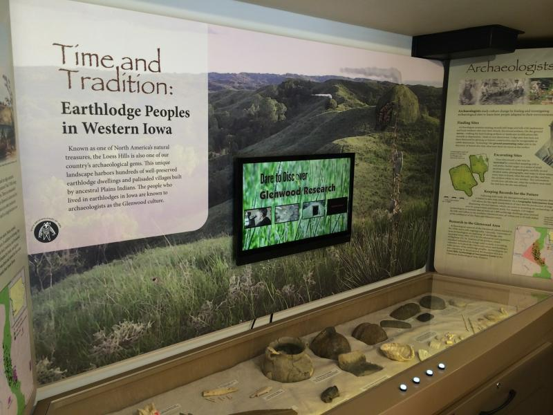 an exhibit featuring the Glenwood people who lived in the Loess Hills
