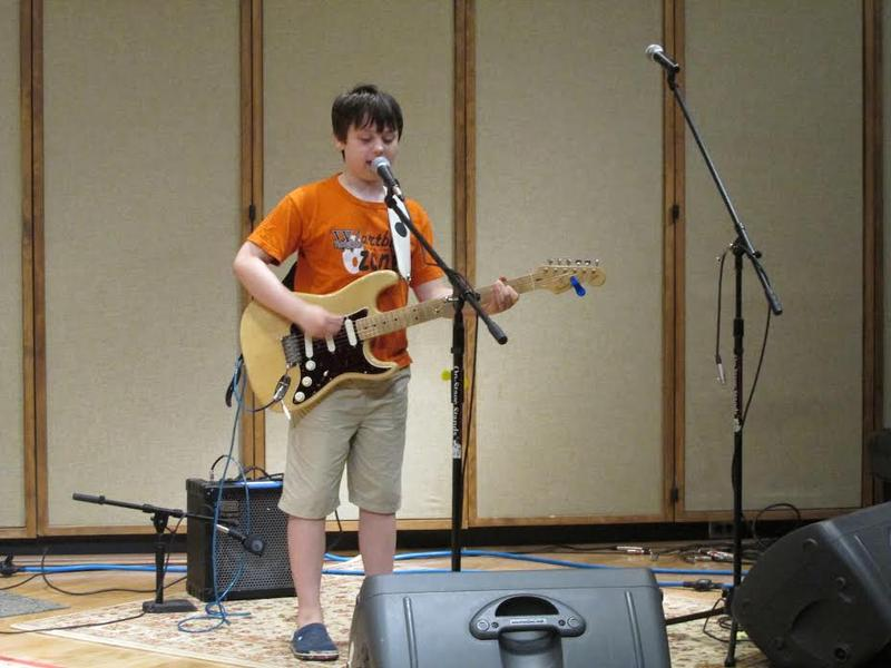 Blues guitarist Sleepy Bones Allison performs in Iowa Public Radio's Studio One.