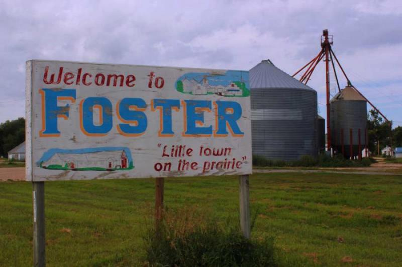 The Pierce elevator was so important to the town of Foster, it's featured on the hand-painted sign welcoming visitors.
