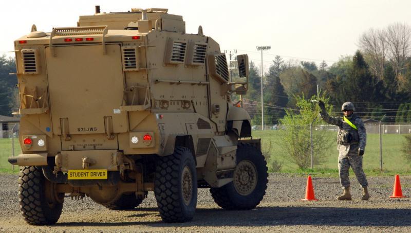 Guardsmen train on Mine Resistant Ambush Protected (MRAP) vehicle prior to Iraq deployment